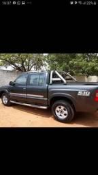 Vendo ou troco S10 ano 2007, a diesel, por carro Sedan de menor valor, com a devida volta.