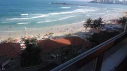Praia das Pitangueiras de frente para o mar
