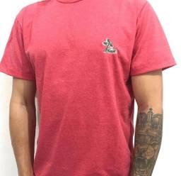 3 camisas M por R$ 105,00