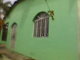 Casa ampla com garagem ao lado da Torquato Tapajós e Max Texeira