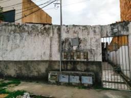 Vila com 4 casas (valor a combinar)