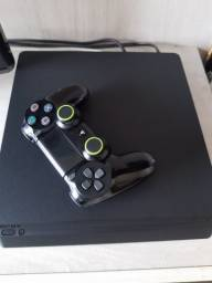 Playstation 4 acompanha 20 mídias físicas.
