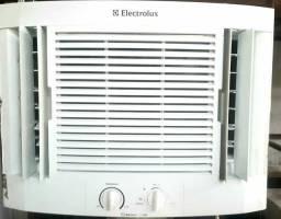Vende se ar condicionado 10000 btus energia 220 volts