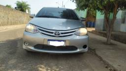Toyota Etios X 1.5 Sedan