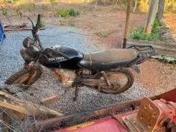Moto Honda pra fazenda