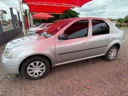 Renault Logan 8v