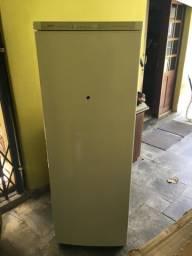 Vendo geladeira Bosch COM DEFEITO