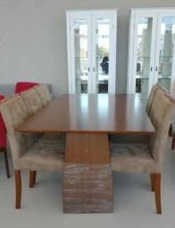 conjunto de madeira com 6 cadeiras