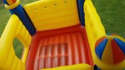 Brinquedos -Castelo inflável