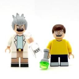Vendo 17 bonecos Legos (Pokemon, Rick and Morty etc)