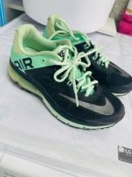 Tênis Nike Air 35 perfeito estado ótimo para academia