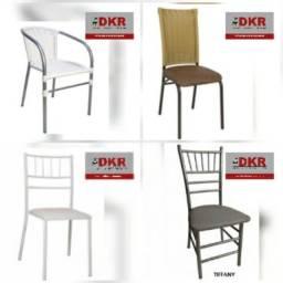 Título do anúncio: cadeiras e mesas