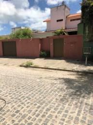 Alugo casa em Candeias com 290m2 com 04 quartos