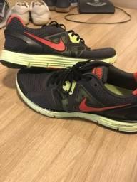 Nike original de barbada!!! Desapego
