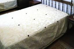 Colchas para camas de solteiro e casal, peças exclusivas e Ededron. Leia o anúncio Karsten