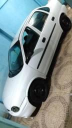 Vendo ou dou de entrada e assumo prestações por carro mais novo - 2002
