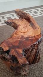 Descanso de rústico com detalhes em resina
