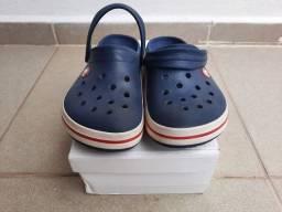 Crocs crocband original marinho com branco 35