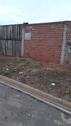 Vendo ou troco casa terreno inteiro 8x25 por apenas R$115.000,00