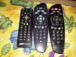 Controles Sky e para TV