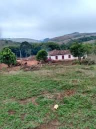 Fazenda com casa antiga