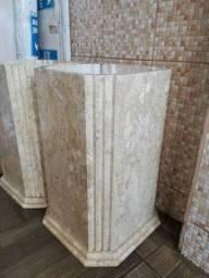 Pés de mesa em mármore
