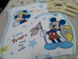 Vendo linda manta do mickey e cruzetas decoradas tudo por ...35.00