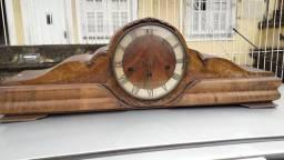 Relógio Carrilhão. Item de Colecionador.