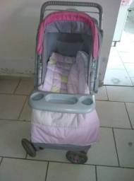 Carrinho de bebê menina ?