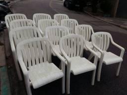 Título do anúncio: Cadeiras de plástico