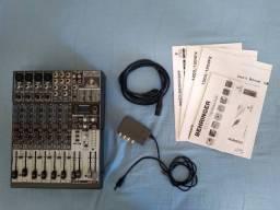 Mesa de som Behringer Xenyx 1204FX