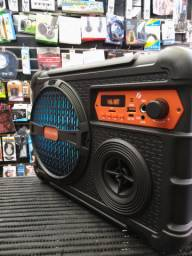 Caixa de som amplificada completa com bluetooth rádio pendrave e microfone