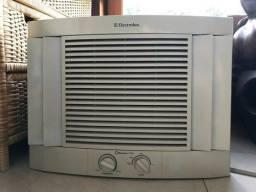Ar condicionado Quente/Frio eletrolux maximus 7500 btus
