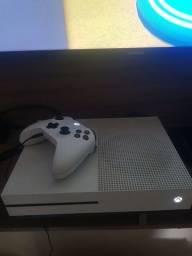 Título do anúncio: Xbox one s 500 GB