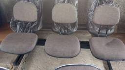 Cadeiras acochoadas