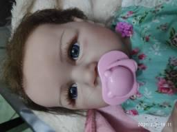 Bebê Reborn realista Corpo todo silicone , cabelo implantado fio a fio.  Boneca realista.