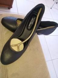 Sapato n. 39 Modare Ultra Conforto Napa Salto Preto