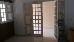 Alugo Casa Duplex em Condomínio Bairro Sapiranga