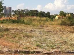 Vendo terreno 12x30 no Loteamento Dom Bosco.