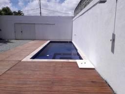 Espaço com piscina completo