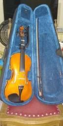 Violino Guarneri em estado de novo