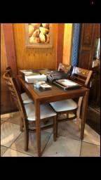 Mesa e 04 cadeiras Franco Bachot
