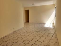 Apartamento 3 quartos nos Aflitos