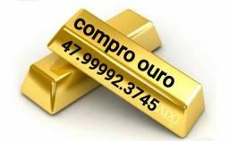 Ouro e relógios de ouro