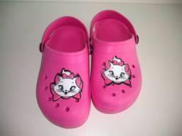 Sandálias infantis personagens menina ou menino