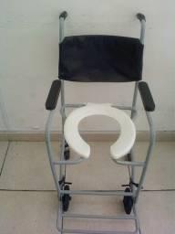 Título do anúncio: Aluguel Mensal de Cadeira de Rodas para banho