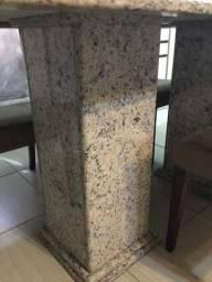 Mesa de mármore c/8 cadeiras