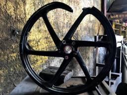 Reforma de Roda de Moto em geral, solda,pintura