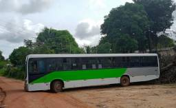 Freta-se ônibus