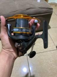 Título do anúncio: Molinete 9000 novo, nunca usado, ideal para pesca pesada